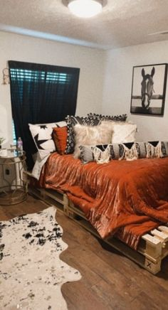 Western Bedroom Decor, Western Rooms, Cute Bedroom Decor, Room Ideas Bedroom, Home Bedroom, Cowgirl Bedroom, Western Bathrooms, Bedroom Inspo, Bed Room