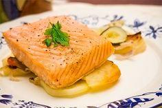 El salmón es un alimento muy bueno para la salud y aquí te compartimos una receta fácil y deliciosa para prepararlo.