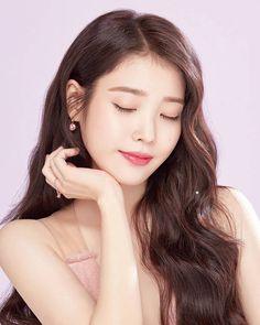Korean Beauty, Asian Beauty, Iu Twitter, Icons Girls, Iu Fashion, Korean Actresses, Korean Celebrities, Ulzzang Girl, Beautiful Actresses