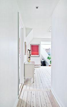 Se forvandlingen – fra rodebunke til toptunet familiehus Dream Apartment, House Extensions, Oversized Mirror, Living Spaces, Loft, Flooring, Interior Design, Furniture, Inspiration