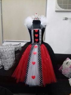 I've made this today for my little Raya. She will be the Queen of Hearts. #tutumakesmehappy #rayascloset