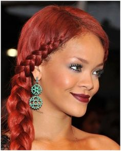 Nowadays side hairstyles are a lot more sleek & chic than they used to be in the our list of 25 cute side hairstyles we love & hope you'll give a try Side Swept Hairstyles, Braided Ponytail Hairstyles, Teen Hairstyles, Straight Hairstyles, Celebrity Hairstyles, Long Red Hair, Braids For Black Hair, Hair Color For Women, Red Hair Color