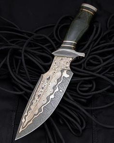 Instagram Damascus Blade, Damascus Knife, Damascus Steel, Swords And Daggers, Knives And Swords, Knife Making Tools, Diy Knife, Survival Gadgets, Weapon Concept Art