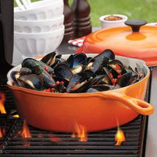 Can't decide if I want the pot or the mussels.....