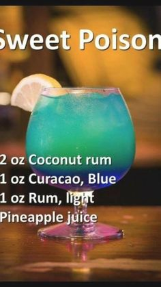 Purple Cocktails, Blue Drinks, Vodka Drinks, Non Alcoholic Drinks, Summer Cocktails, Party Drinks, Cocktail Drinks, Mixed Drinks, Cocktail Recipes