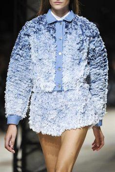 View all the detailed photos of the Barbara Bui spring / summer 2014 showing at Paris fashion week. Denim Fashion, Paris Fashion, Runway Fashion, Fashion Models, High Fashion, Fashion Show, Fashion Trends, Street Fashion, Fall Fashion