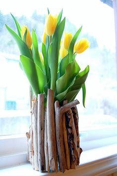 DIY Wood glued onto glass jar or vase via pinkmarlet! Cute Crafts, Crafts For Kids, Arts And Crafts, Diy Crafts, Fete Ideas, Diy Ideas, Craft Ideas, Crafts With Glass Jars, Diy Glue