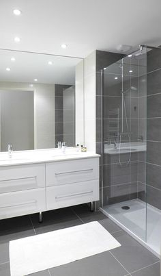 Ideas for the master bathroom remodels we have to do. This board includes pins for master bathroom layout and design, ho Bathroom Renos, Bathroom Layout, Basement Bathroom, Bathroom Renovations, Bathroom Interior, Modern Bathroom, Master Bathroom, Bathroom Cabinets, Budget Bathroom