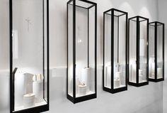 Nikos Koulis Jewels Boutique In Mykonos By Stagedesignoffice | Delood Jewellery Shop Design, Jewellery Showroom, Jewellery Display, Jewelry Shop, Jewelry Stores, Diy Jewellery, Jewellery Storage, Boutique Deco, Boutique Design