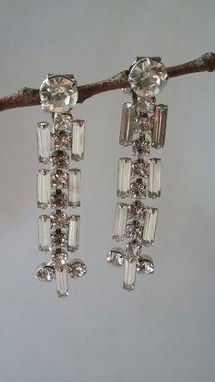 Vintage Chandelier Rhinestone Clip Earrings, Drop Earrings Wedding, Bridal Jewelry, Dangle Earrings, Hollywood Glamour, Formal Earrings by SecondActShop on Etsy