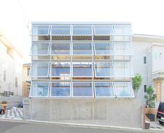 Junpei Nousaku - House in Newtown, Kanagawa 2014. Via, 2, photos © Shinkenchiku-sha & the architect.