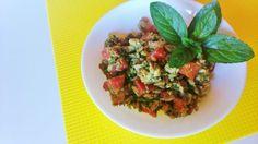Il Farro Verde salutare è un primo piatto proteico dal caratteristico gusto fresco. L'esecuzione veloce lo rende piacevole anche alle massaie pigre.