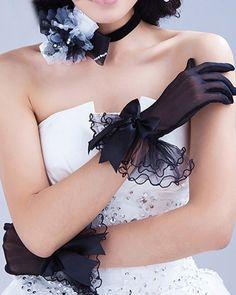 Black Tulle Fingertips Wrist Length Wedding Gloves | LynnBridal.com