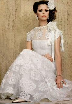 Chanel Couture, 1977 1977 Fashion, Fashion 2018, I Love Fashion, Fashion Photo, Dress Skirt, Lace Dress, Vintage Outfits, Vintage Fashion, Chanel Couture