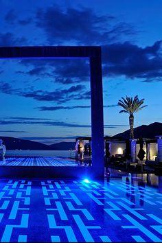 LIDO MAR PORTO MONTENEGRO - MONTENEGRO - Mosaic pool tiles by Ezarri. Available from www.eurotiles.com.au