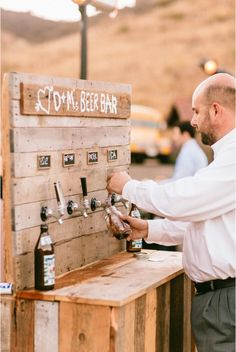 Stylish 36 Chic Outdoor Wedding Drink Station And Bar Ideas For Winter To Try Asap Quirky Wedding, Wedding Tips, Fall Wedding, Wedding Planning, Dream Wedding, Wedding Blog, Wedding Ceremony, Trendy Wedding, Wedding Venues