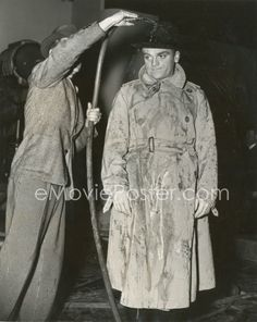 james cagney on the set of each dawn i die