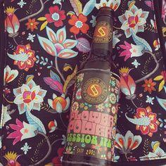 I wish you all a happy colorful and beery weekend.  #patternoverload #schoppebräu #flowerpower #beer #craftbeer #beerlover #ilovebeer #beerporn #prost #cheers #beers #cerveza #bier #instabeer #beerstagram #beerme #beergeek #beernerd #biermaedchen_ffm #love #yummy #drinks #goodtimes #instagood #photooftheday #picoftheday