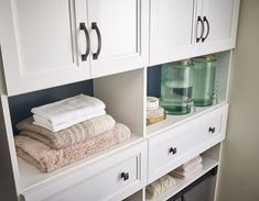 It's all in the details. Add a designer touch to your mudroom cabinets with beautiful hardware. #EntrywayDesign #MudroomDesign #CabinetHardware #InteriorDesign Bathroom Organization, Bathroom Storage, Organized Bathroom, Bathroom Linen Closet, Linen Closets, Mudroom Cabinets, Closet Storage Systems, Entry Way Design, Wood Drawers