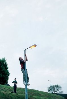 Tobias Zielony, Lamp Post, 2001