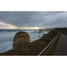 . #호주 #greatoceanroad #그레이트오션로드 #12사도 #twelveapostles #12apostles #travel #멜버른 . #환상적 #fantastic 뭐 말이 필요없다. 보는 순간 입이 쫙 벌어졌다 by romantik_heart http://ift.tt/1ijk11S