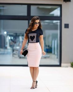Black and white stri Black and white striped heart tee with high-waisted button-up midi pencil skirt Curvy Outfits, Modest Outfits, Skirt Outfits, Classy Outfits, Stylish Outfits, Dress Skirt, Modest Wear, Work Outfits, Modesty Fashion