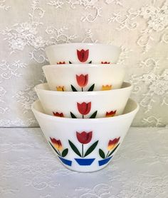 Set of 4 Fire King Anchor Hocking Tulip Nesting Mixing Bowls by EastSideBazaar on Etsy Vintage Canisters, Vintage Kitchenware, Vintage Dishes, Vintage Pyrex, Vintage Glassware, Happy Kitchen, Indiana Glass, Mixing Bowls, Anchor Hocking