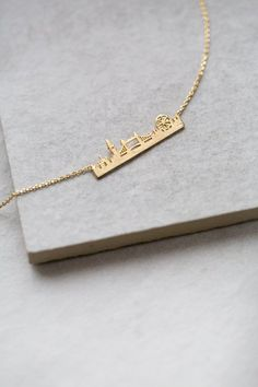 London City Necklace