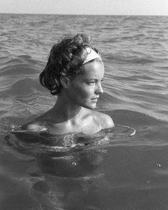 "gazingamongstpassion: ""je-me-voyage: "" Romy Schneider par Sanford Roth "" Romy Schneider, Jeanne Moreau, Vintage Photography Women, Sophie Marceau, Alain Delon, French Actress, Actors, Brigitte Bardot, Old Hollywood"