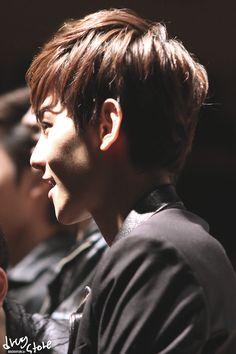 12.04.29 Fansign at Gwanghwamun (cr: drug store: http://baekhyun.kr)
