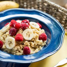 "6 Slimming Breakfast Recipes That Will Help You Lose Weight: Quinoa ""Oatmeal"" Breakfast Desayunos, Best Breakfast Recipes, Breakfast Ideas, Healthy Breakfast For Weight Loss, Healthy Snacks, Healthy Breakfasts, Healthy Eating, Healthy Recipes, Healthy Options"