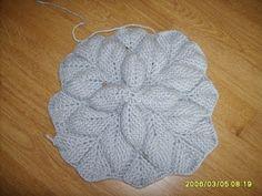 Handbag leaves knitting on Osinki. Diagrams and description. Discussion on LiveInternet - Russian Service Online Diaries Tunisian Crochet Patterns, Modern Crochet Patterns, Crochet Cardigan Pattern, Knitting Patterns, Free Crochet Bag, Crochet Gratis, Crochet World, Crochet Hat For Beginners, Crochet Leaves