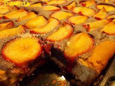 SMAKOŁYKI ANGELI, ANGELA'S DELICACIES, LE PRELIBATEZZE DI ANGELA: Kołacz ze śliwkami i kremem makowym - Plum and poppy seeds yeast cake - Focaccia dolce alle prugne e crema di semi di papavero Cakes, Cream, Cake Makers, Kuchen, Cake, Pastries, Cookies, Torte, Layer Cakes