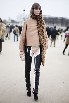 Fotos de street style en Paris Fashion Week: Anya Ziourova