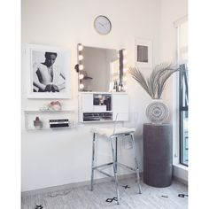 All kinds of decoration and decoration ideas as design, design free of charge are published on our website. You can come to our website to come up with designs that can bring ideas to your Easy DIY Makeup Vanity Ideas decor decor Interior Design Software, Salon Interior Design, Home Design, Design Design, Design Ideas, Wall Mounted Makeup Organizer, Wall Mount Jewelry Organizer, Rangement Makeup, Diy Makeup Vanity