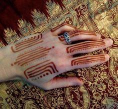 Art deco henna lines Mehendi, Henna Mehndi, Black Henna, White Henna, Gender Inclusive, Sweet Orange Essential Oil, Henna Ideas, Mehndi Images, Henna Tattoos