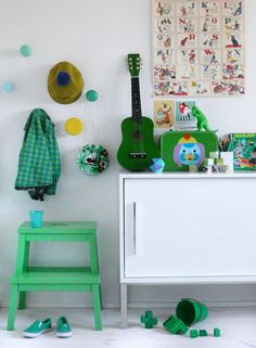 Weekend {in the shades of green} Love the pegs to hang kids bags workers purses jackets etc.