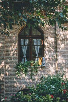 A Simple Persian Pumpkin Dessert, Fading Borders & The Travel to Iran Persian Architecture, Architecture Old, Cultural Architecture, Iran Pictures, Persian Garden, Iran Travel, Persian Culture, Iranian Art, Pretty Wallpapers