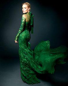 Kate Bosworth in a gorgeous emerald green gown. Vestidos Color Verde Esmeralda, Style Vert, Emerald Green Dresses, Emerald Gown, Emerald City, Emerald Color, Emerald Isle, Emerald Diamond, Mode Glamour