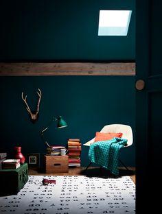 Bath room blue dark teal walls new ideas Teal Walls, Dark Walls, Teal Rooms, Green Walls, Dark Interiors, Colorful Interiors, Design Hotel, House Design, Interior Architecture