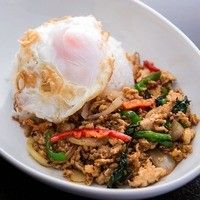 タイの名物料理、〆にぴったり『ガパオ炒め御飯』