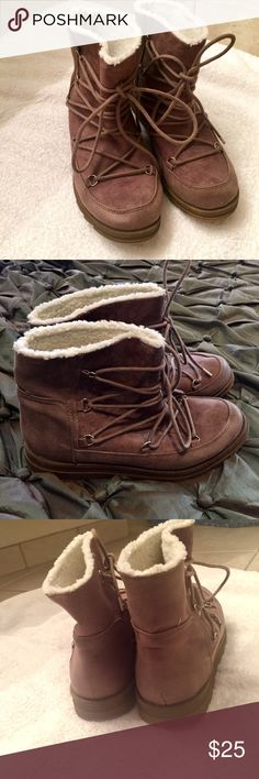 NEW STYLISH WARM HIKING BOOTS (NWOT) Soft camel color suede like textile outside and faux fur lined with thick sole and laced to top to keep the cold or environment out. Brand new never worn- bought for daughter to take to camp and she never used them. Size 6 1/2 from Maypole Maypole for Target Shoes Lace Up Boots