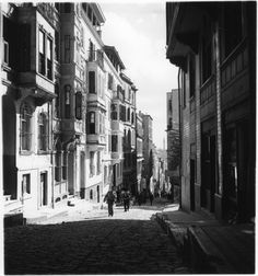 Street in Galata, Istanbul, 1936 - Smithsonian Institute