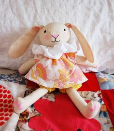 FREE bunny sewing pattern.
