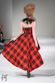The back of the plaid high low that i wore for Wani by saki show in FAT Modeling, High Low, Fat, Plaid, Photos, How To Wear, Vintage, Style, Fashion
