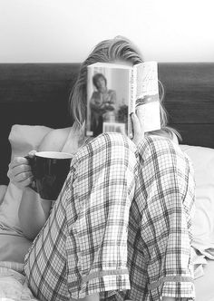 Happy Sunday Morning: self portrait idea - Favourite book, coffee, pj's Happy Sunday Morning, Lazy Sunday, Lazy Days, Lazy Morning, Morning Coffee, Saturday Sunday, Morning Mood, Happy Weekend, Long Weekend