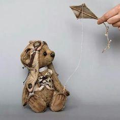 gorgeous vintage looking pilot bear with kite