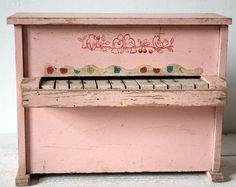 Little vintage pink French wooden PIANO with door uneviedeboheme