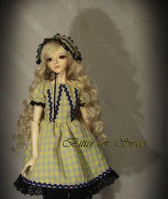 bjd dollfie (Bitte & Sweet) lolita dress. $30.00, via Etsy. SHES A DOLL