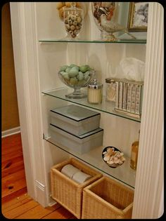 Beadboard backing and glass shelves. - Home Professional Decoration Glass Shelves In Bathroom, Floating Glass Shelves, Display Shelves, Shelving, Wall Shelves, Room Interior, Interior Design Living Room, Painted Cottage, Shelf Design